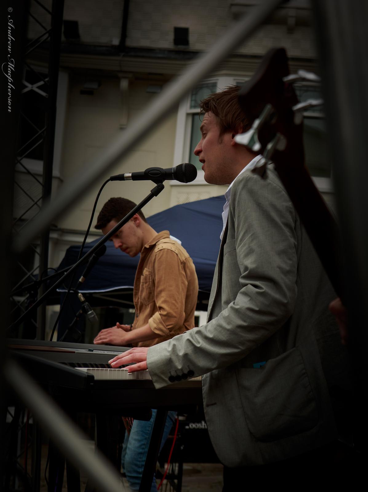 LBIS: Live Music